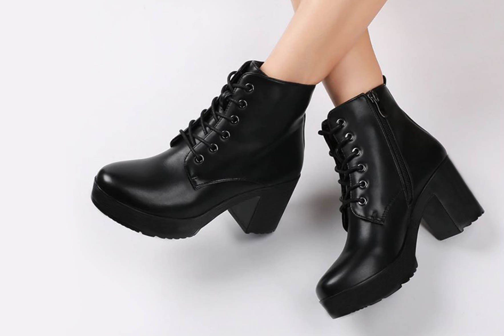 Long boot for girls: Giving out that kinky and sexy look