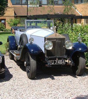 Transport Luxury Vintage Cars