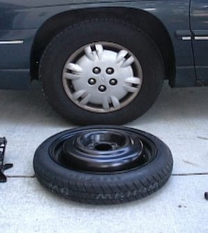 How to replace a flat tire of your car