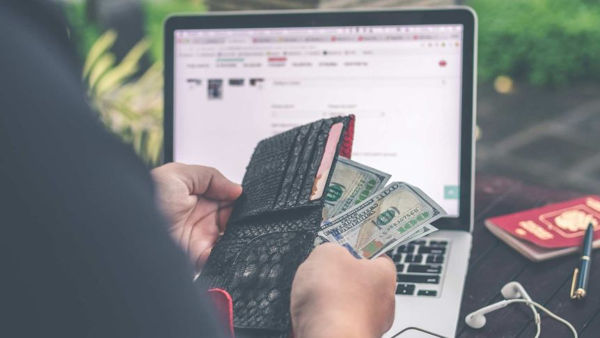 Managing money transfers around bank holidays